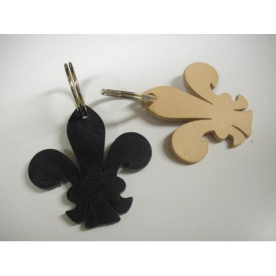 Découpe de porte clés en cuir